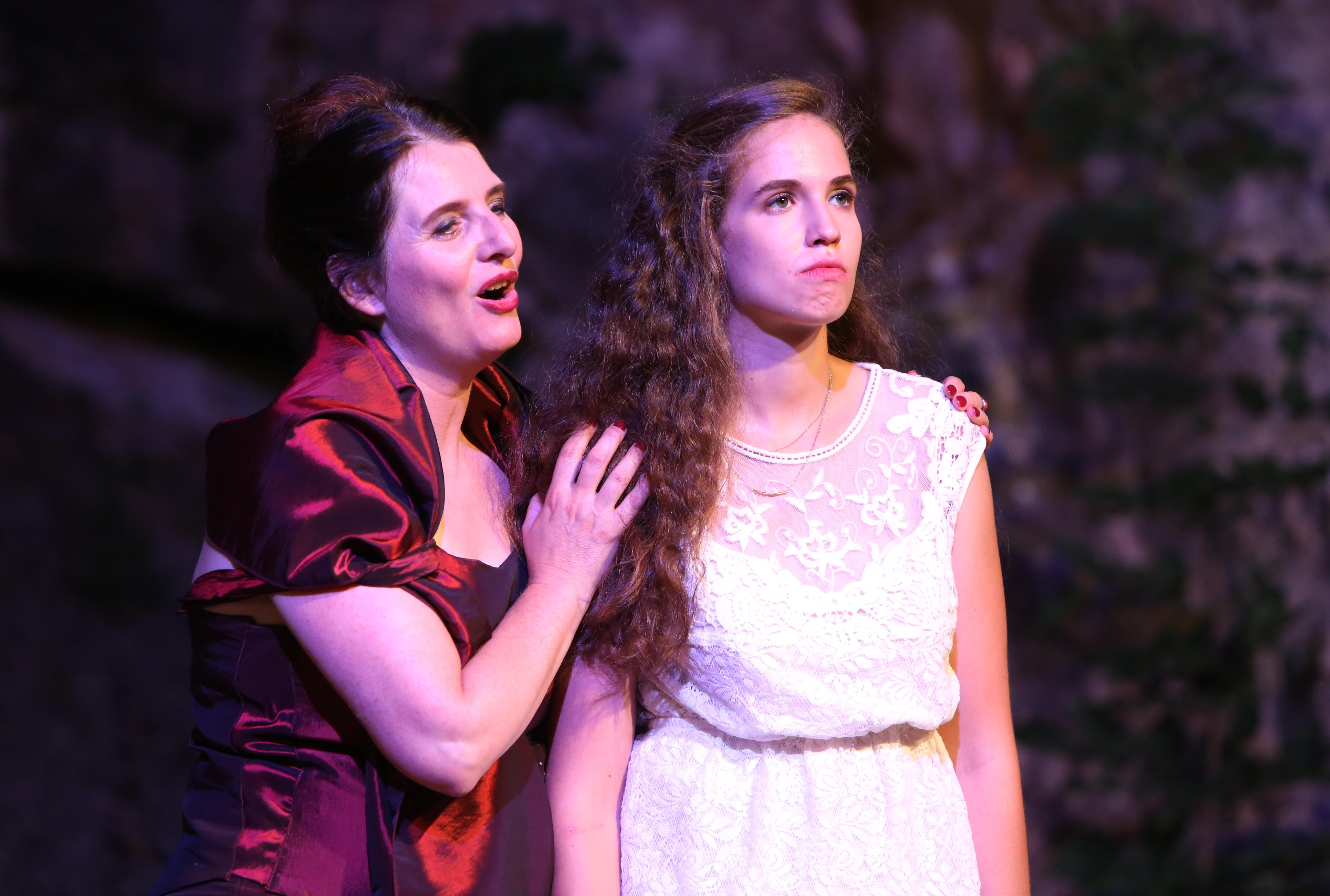 Lady Capulet und Julia