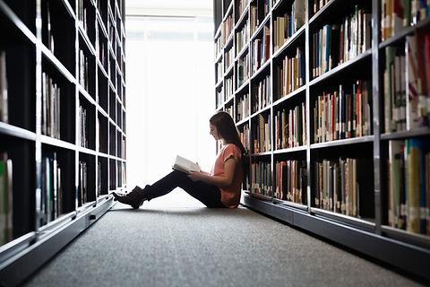 Mädchen lesen