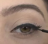 How to do winged eyeliner for beginners   Medium Skin-tone