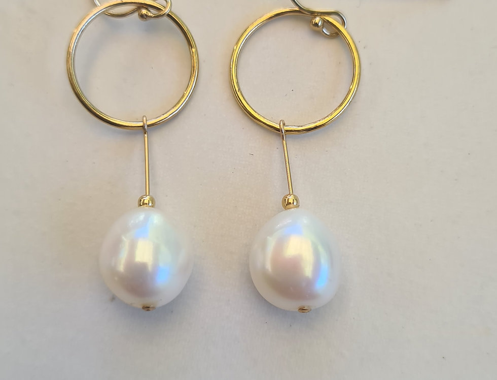 Earrings - Freshie Pearl Drops in Gold