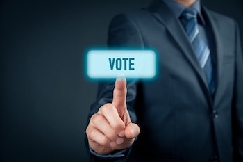 Benefits of Blockchain for the Voting Process