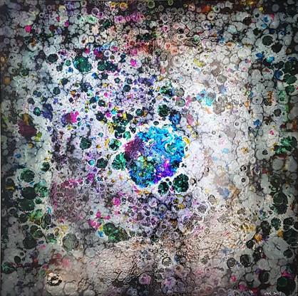 2소리를본다(별그림자1)_112x112cm_알루미늄에혼합재료_2020.j