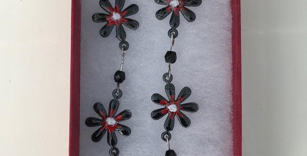 Small Daisy Necklace