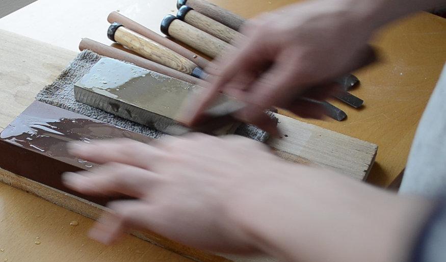 モダン神棚を作る職人の道具へのこだわり