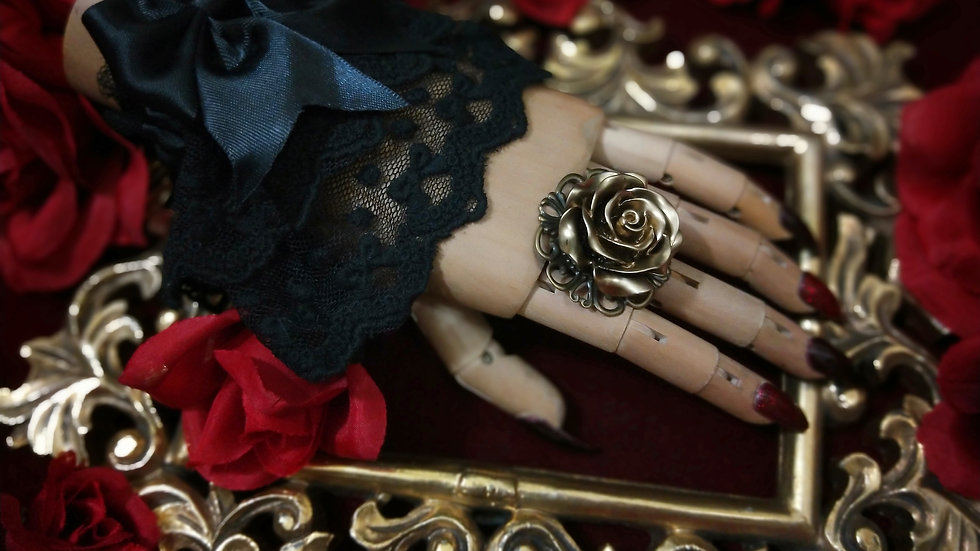 Large Rose Ring - Gold
