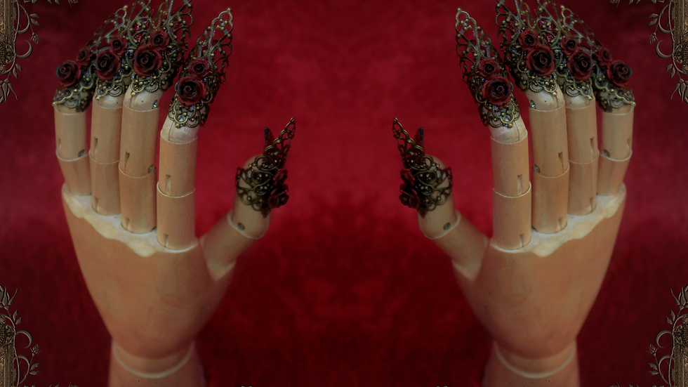 Rose Claws - Red [One Hand Set]