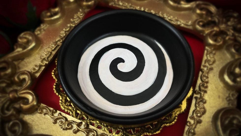 Black & White Spiral Tray