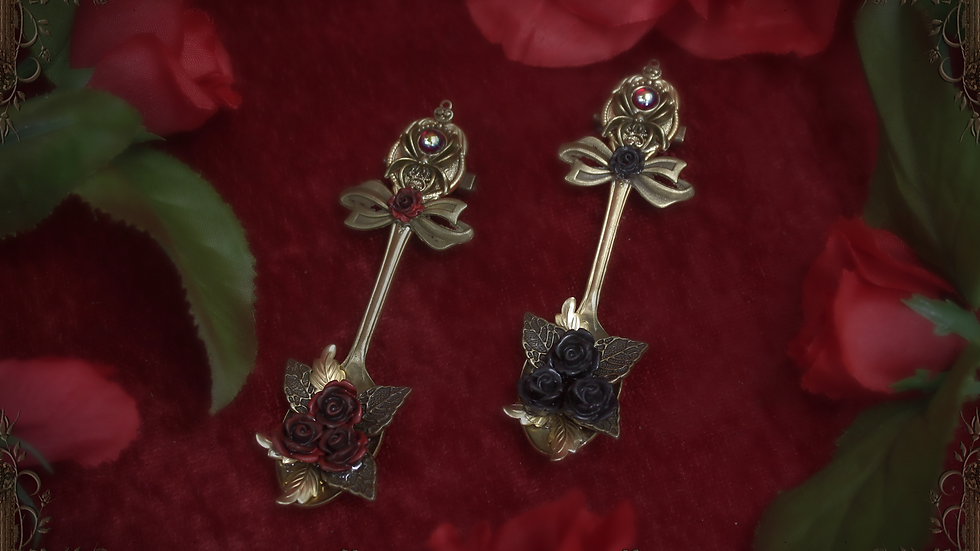 Spider's Tea Spoon Brooch - Red Roses
