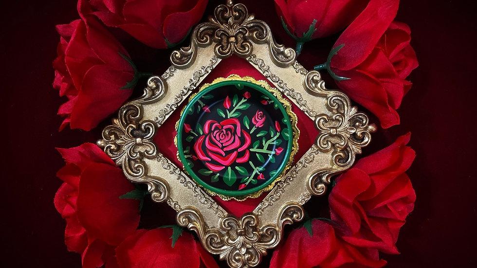 Dark Green Rim Rose Dish