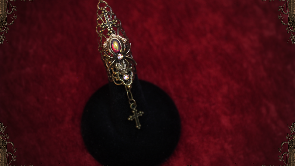 Jeweled Spider II Single Claw Nail Ring