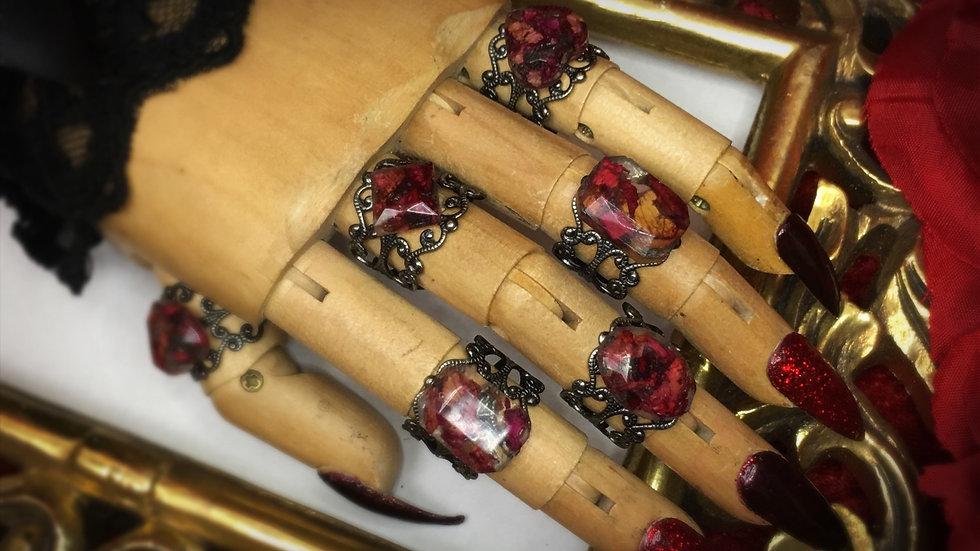 Rose Petal Resin Ring 2 - Gunmetal