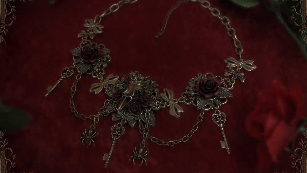 Crow King Necklace J1219