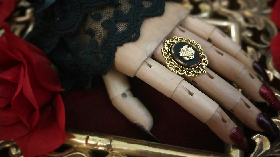 Black & Gold Glass Rose Cameo Ring
