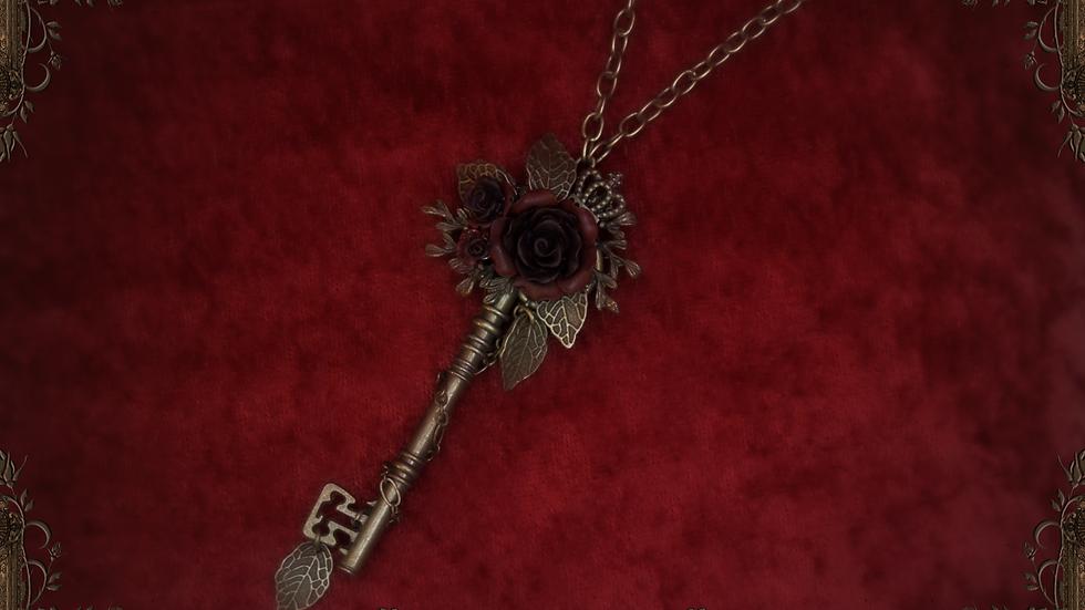 Rosarium Key Necklace II