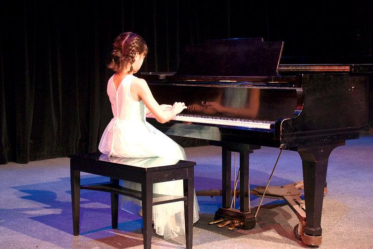 Anabelle Piano Recital2.jpg
