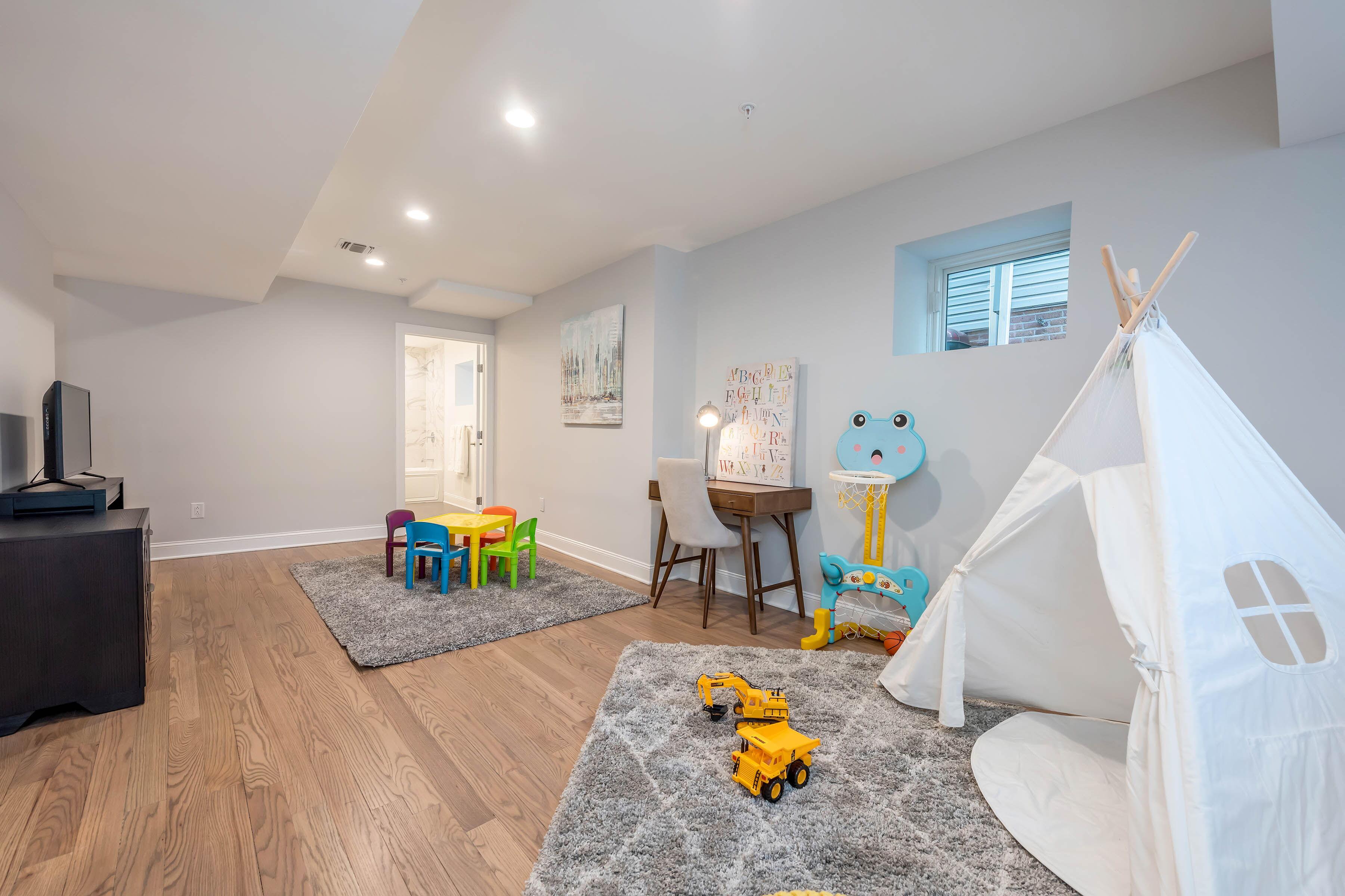 Rec Room (Living/Media/Playroom/Office)
