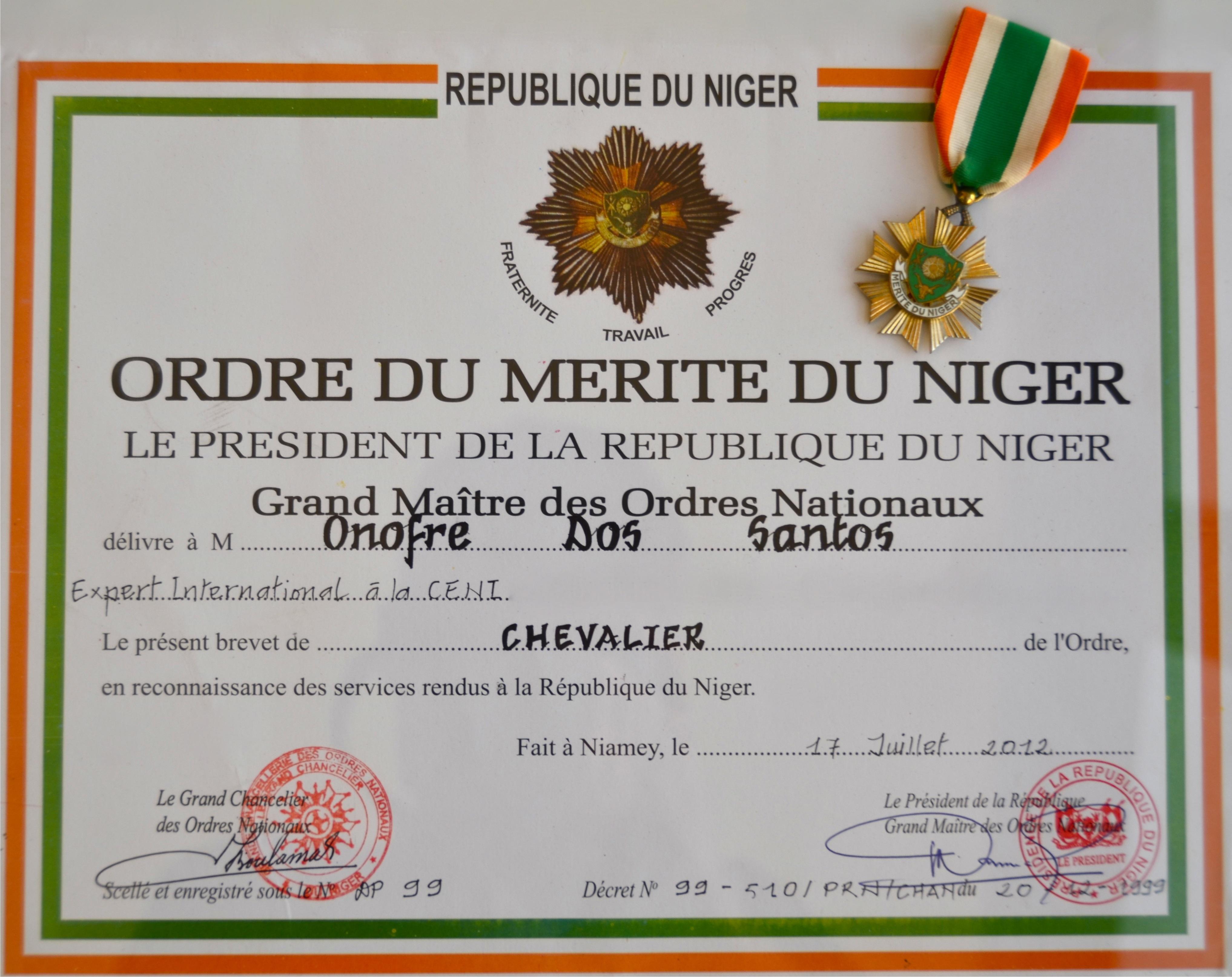 Diploma eleições no Níger