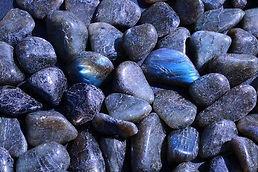 labradorite-tumbled-stones.jpg