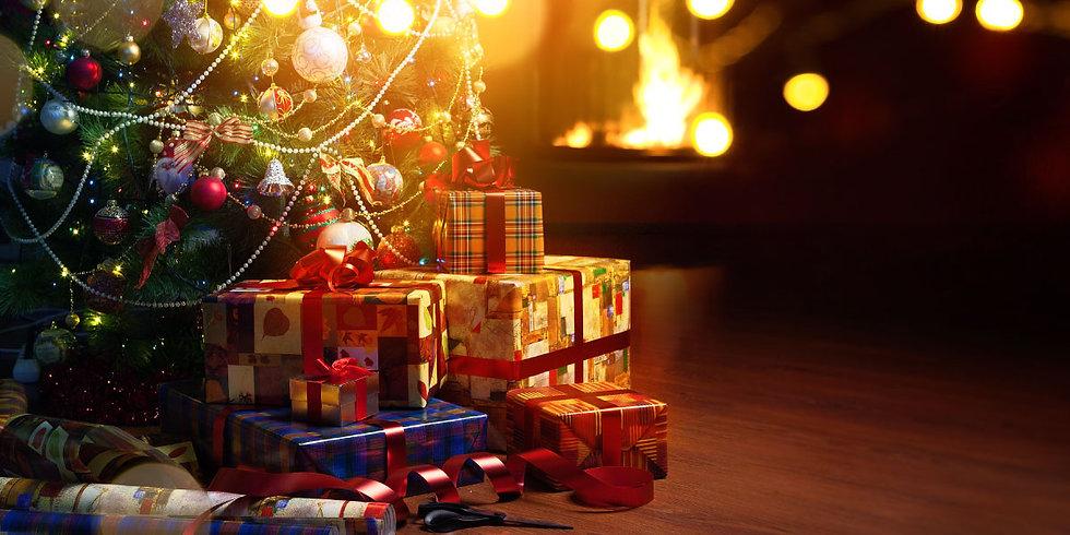 christmas-tree-and-gifts.jpg