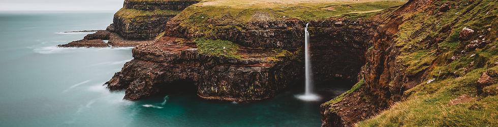 waterfalls%20at%20daytime_edited.jpg