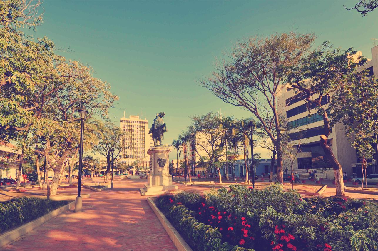 Plaza Simón Bolviar - C. Histórico