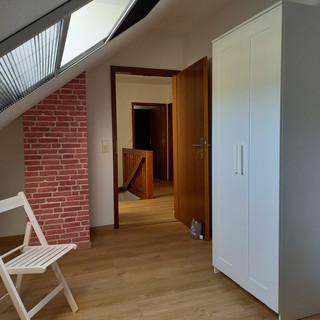 das 3. Schlafzimmer mit Blick zum Flur
