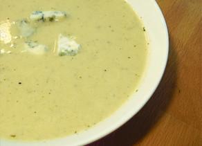 Sopa de Apio Rabano