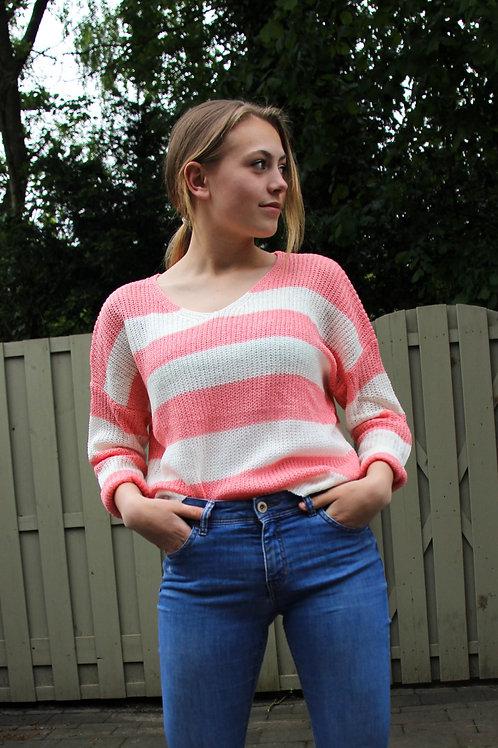 Gestreepte roze fijngebreide trui