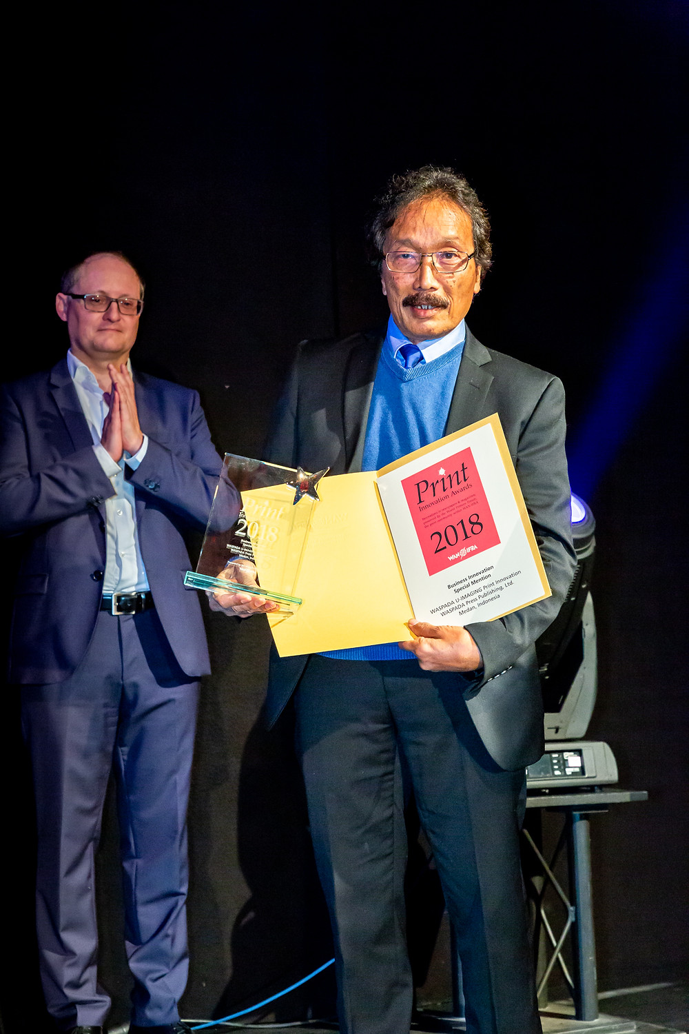Waspada Press Director and Commissioner Mr Bobby Tufte Said represented the WAN IFRA Print Innovation Award 2018 in Berlin