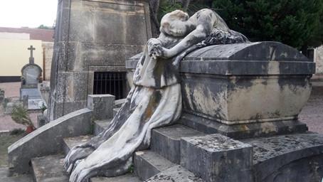 Oración en el cementerio por los fieles difuntos