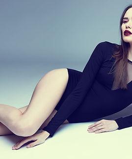 Мода Модель, лежа