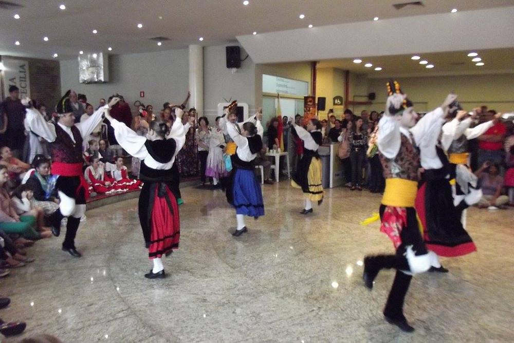 grupo galelo do centro espanhol do paraná