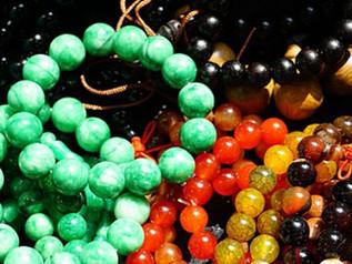 """Atelier - Confectionnez votre bracelet de """"chemin de vie"""" en minéraux - samedi 6 avril - 1"""