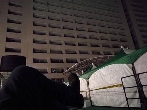 寒い。市役所前広場に移動。福岡はホームレスにあまい。寝るとこたくさん。