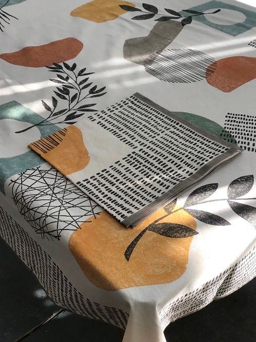 Handprinted Tablecloth Retro Doodles Multi 60x90