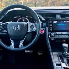 2020 Honda Civic Hatchback Dash.jpg