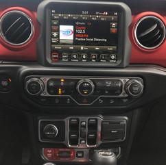 2020 Jeep Wrangler Infotainment.jpg