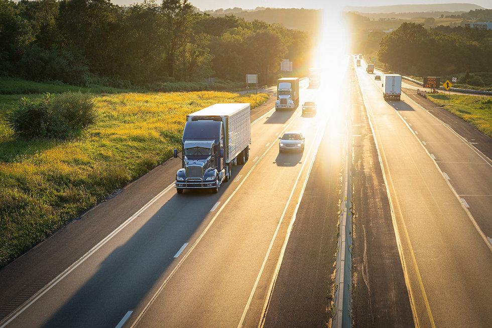 highway-and-semi-truck-18-wheeler-haulin