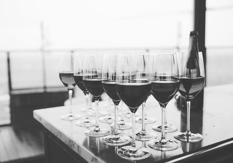 restaurant-bar-glass-glasses-66636_edite