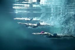Divers%20Underwater_edited.jpg