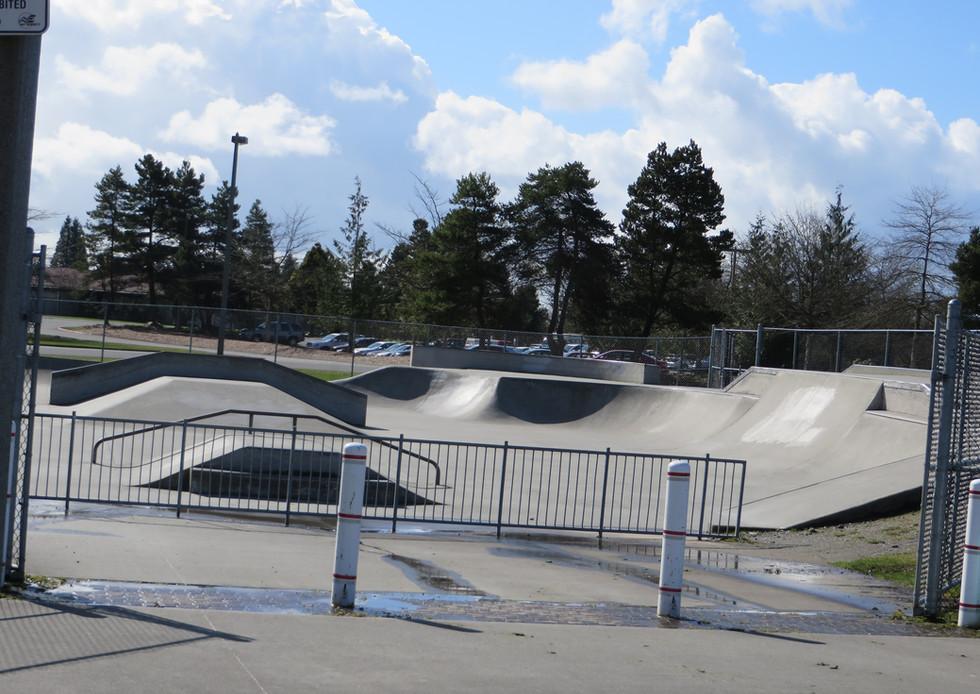 Everett 4