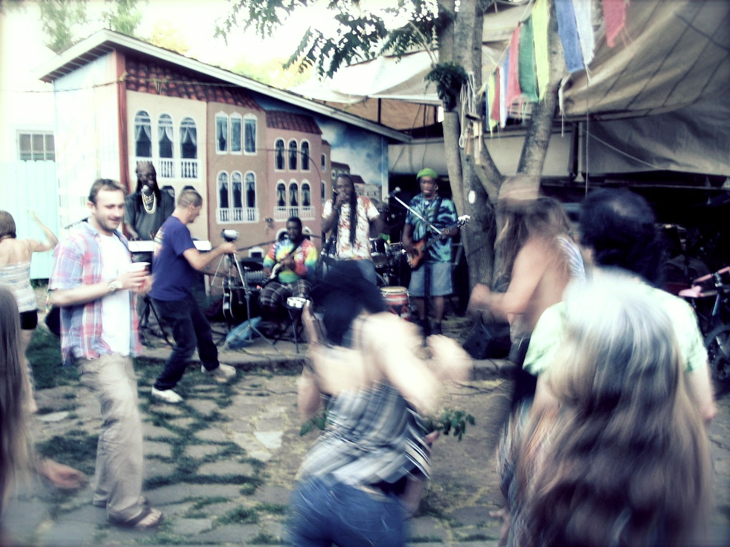 Grooving at the ArtWalk_edited