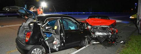 200800_NOMAD_CAR_CRASH_3.jpg
