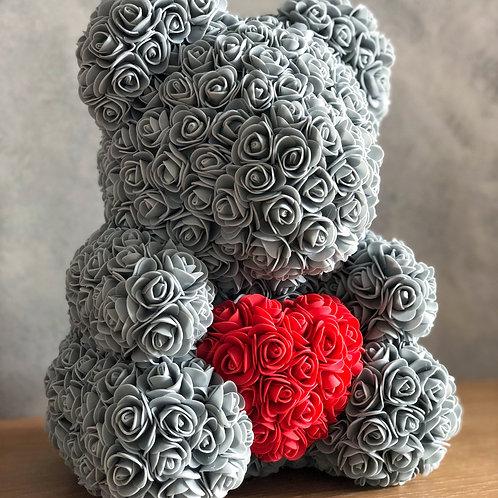 Šedý medvídek se srdcem