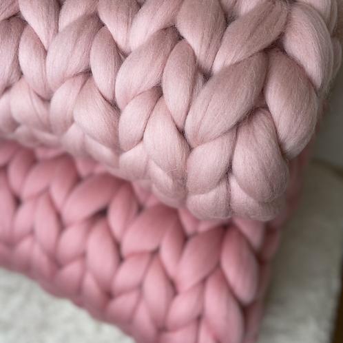 Světle růžová merino deka
