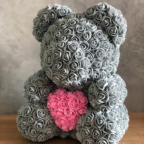 Šedý medvídek s růžovým srdcem