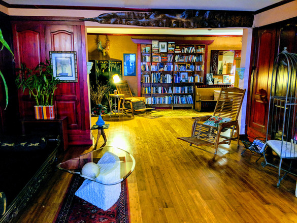 Lounge and Library at The Chelsea Inn At