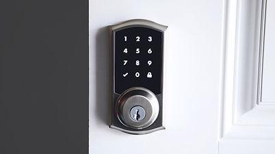 The+10+Best+Keyless+Door+Locks.jpg