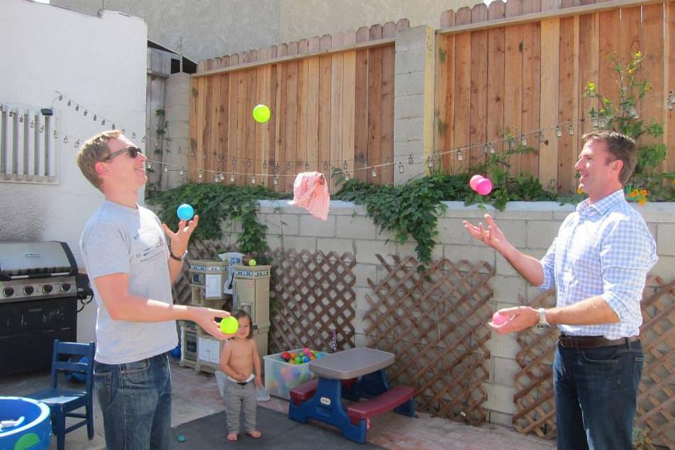 19 Jonas Ben juggling.jpg