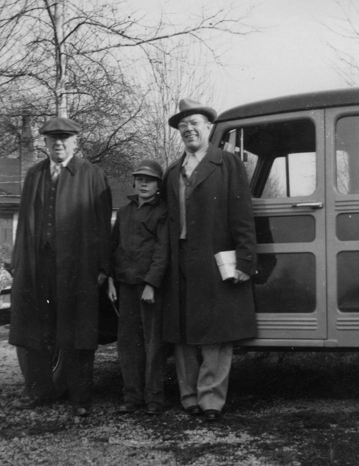 1949 Generations of Von Pischkes.jpg